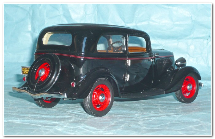 1933 Ford illustration 2 Franklin Mint from rear