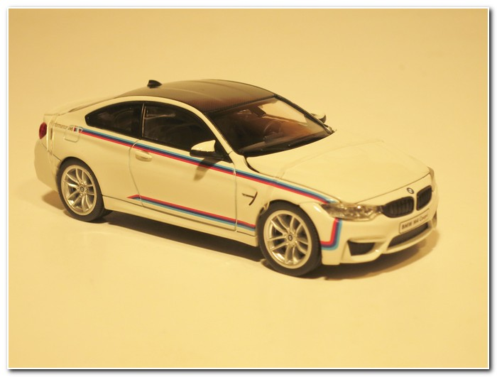 BMW M4 Coupe M Design (4)