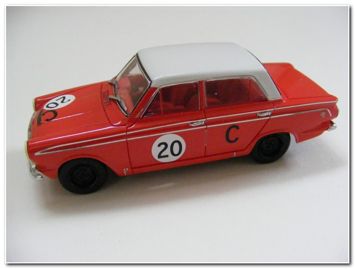 1963-bathurst-winning-cortina-by-apex