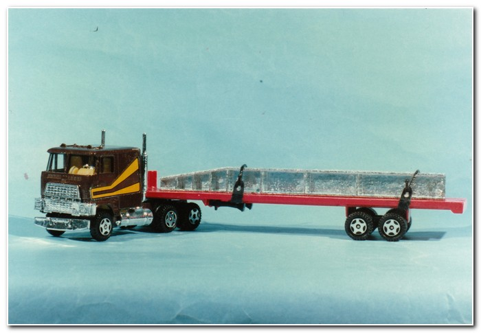 Illustration 3 Ertl flat bed trailer