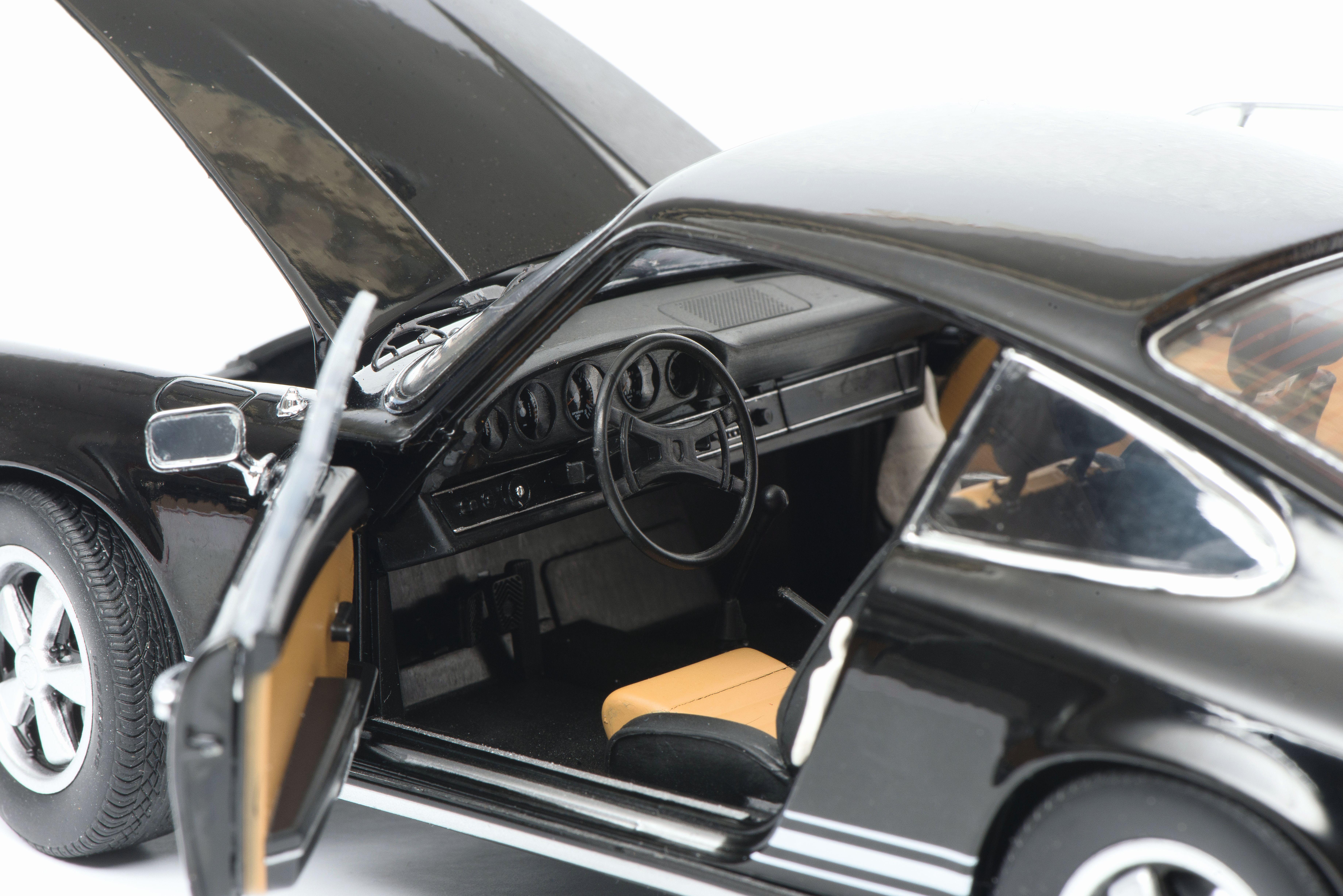 1:72 Schuco Porsche Carrera GT black NEW bei PREMIUM-MODELCARS